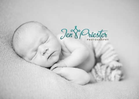 It makes me feel so blessed to have those who are willing to travel to get newborn photos done i had so much fun with this little doll i could squeeze her